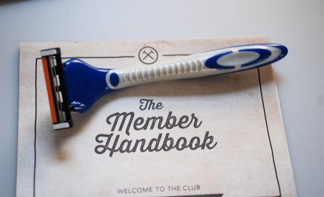 razor and manual