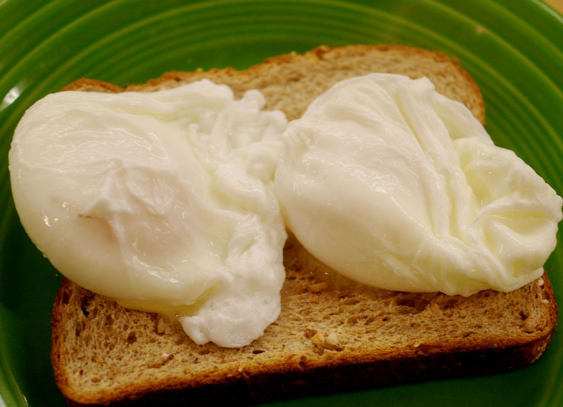 How to poach eggs without skootzie