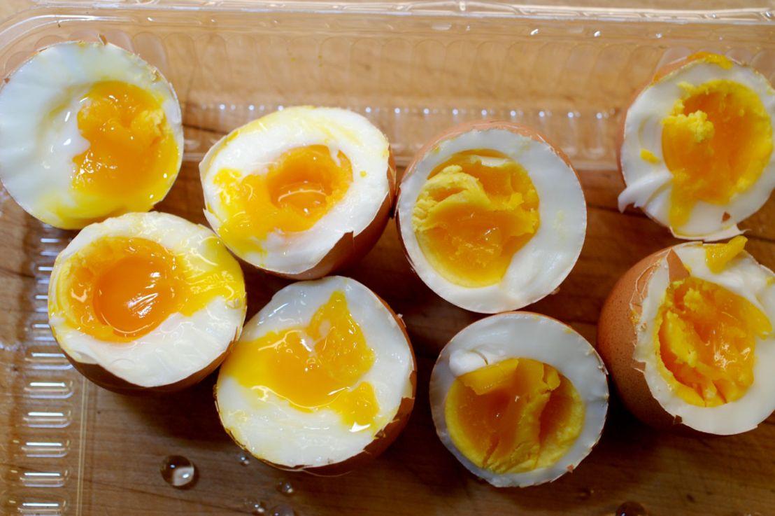 Soft-boiled eggs using a vegetablesteamer