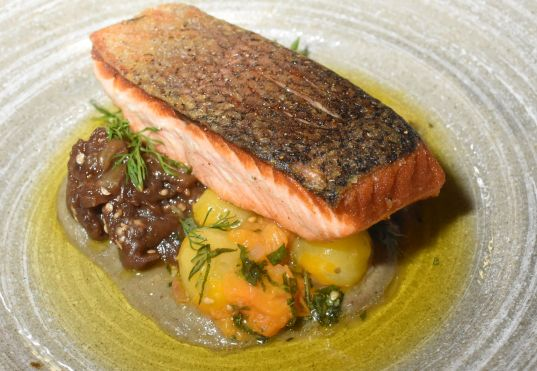 Salmon Filet with cherry tomatoes