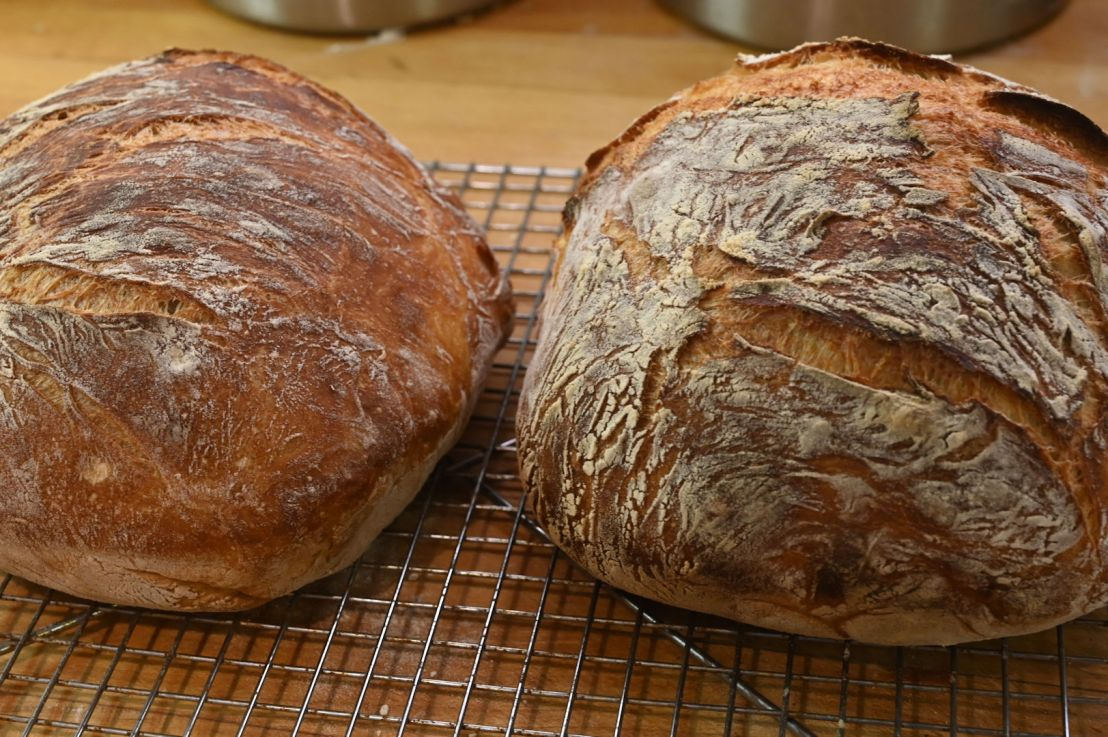 Rustic Bread: Great bread with almost nowork!