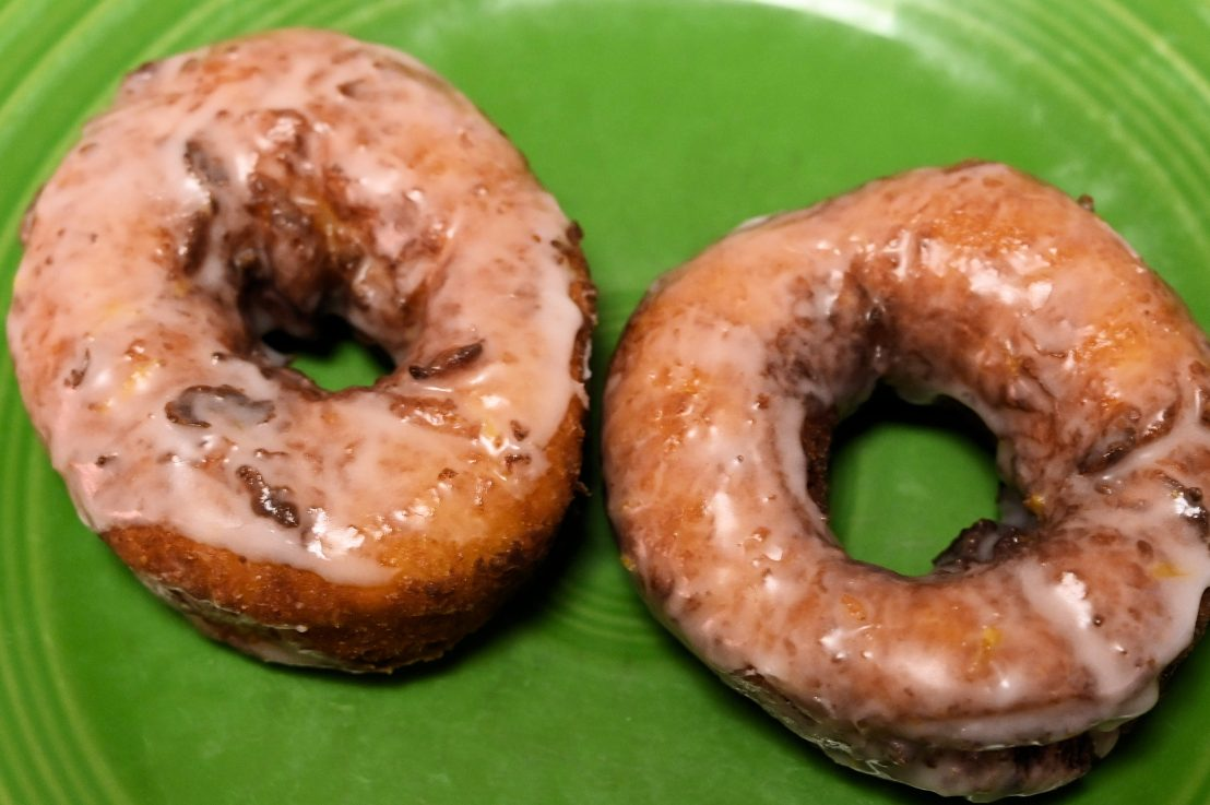 We try donuts made with Greekyogurt